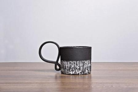 black_mug_handmade-by-white-light-ceramics-at-madebyhandonline_large